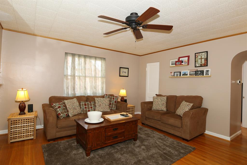 Living Room for 205 James Ave Erlanger, KY 41018