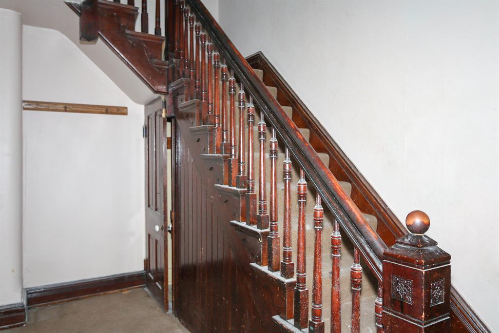 Foyer for 828 Willard St Covington, KY 41011