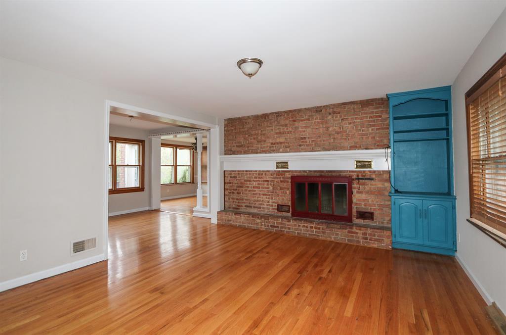 Living Room for 1207 Hilltop Dr Park Hills, KY 41011