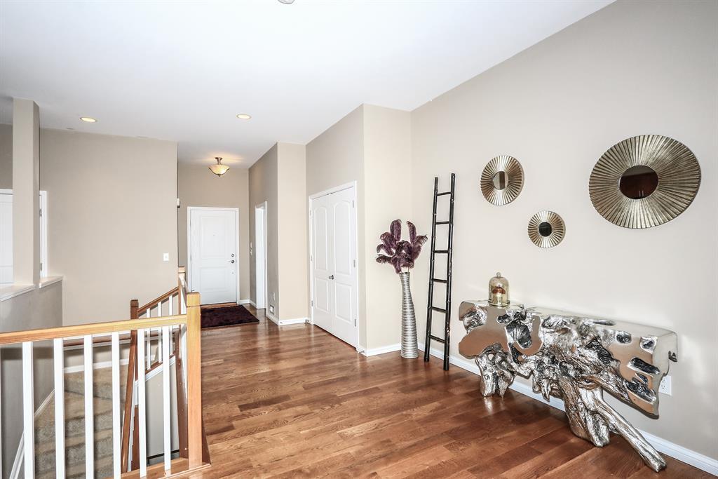 Foyer for 1184 Grays Peak Dr Covington, KY 41011