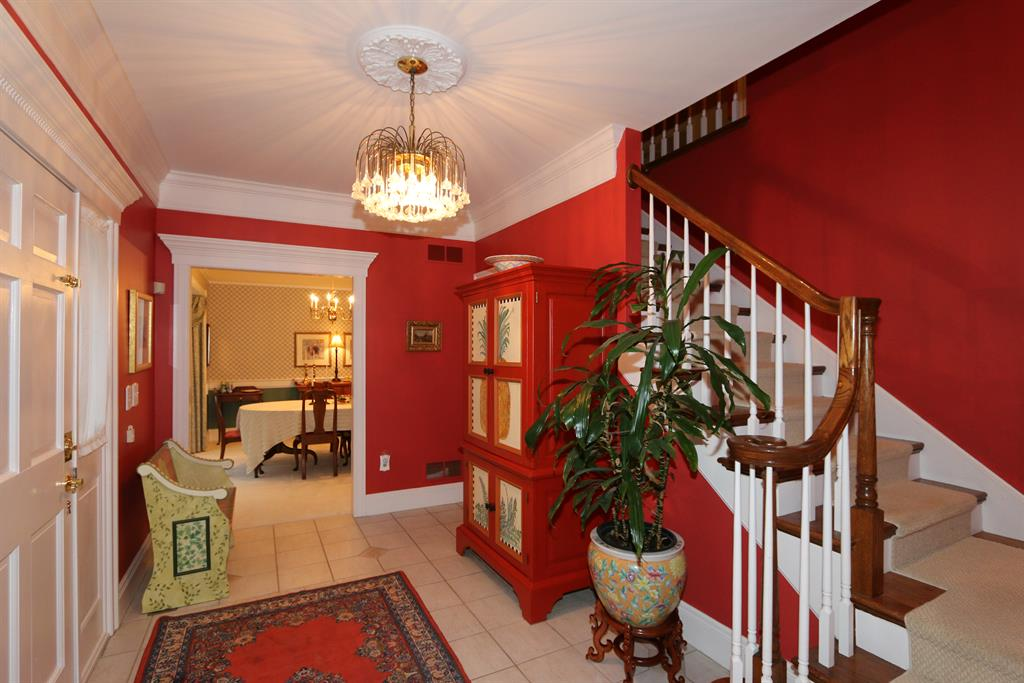 Foyer for 700 Palace Green Pkwy Washington Township, OH 45459