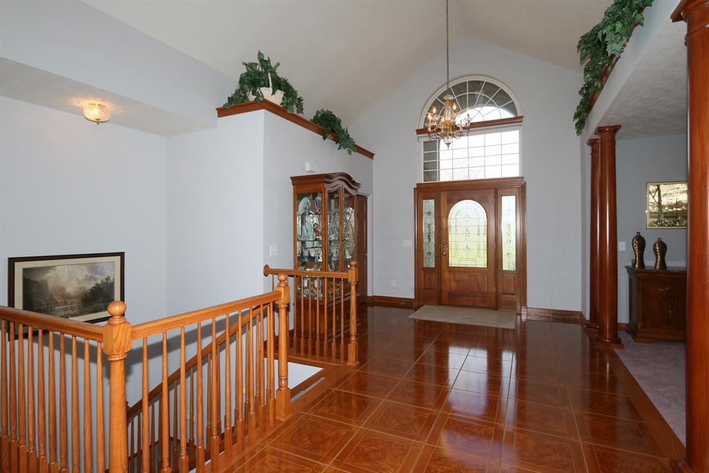 Foyer for 29725 Carolina Trace Rd West Harrison, IN 47060