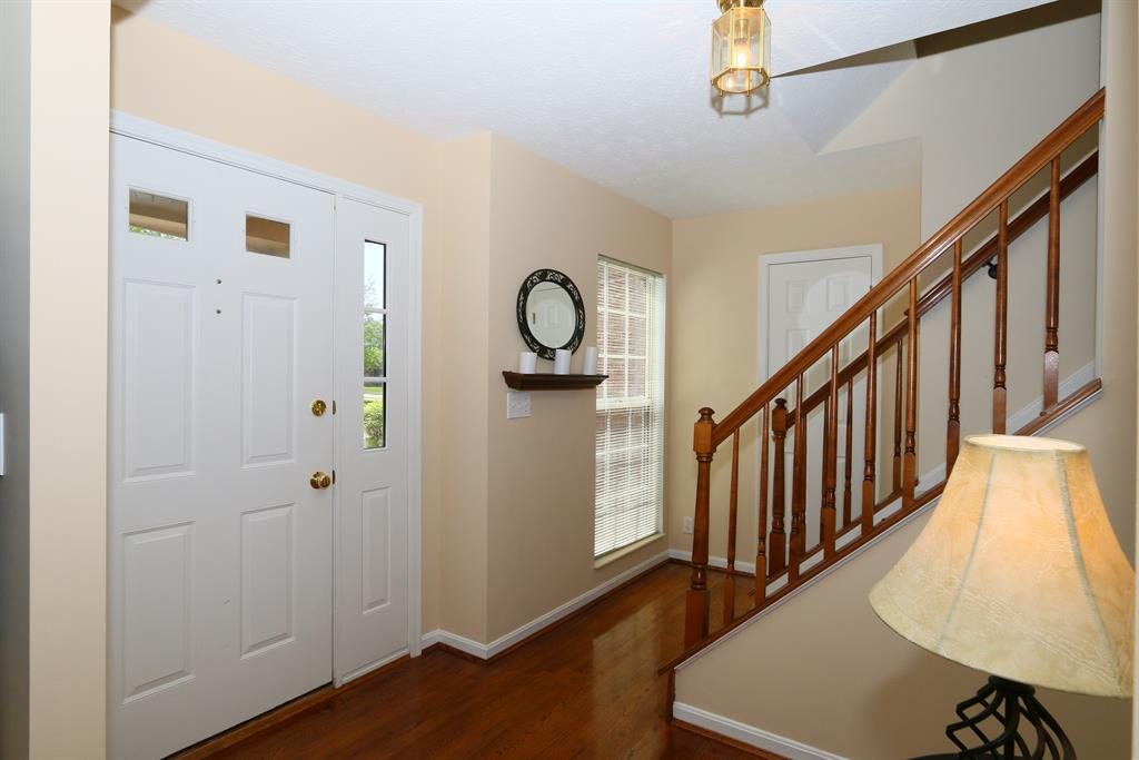 Foyer for 4 Glenridge Dr Cold Spring, KY 41076