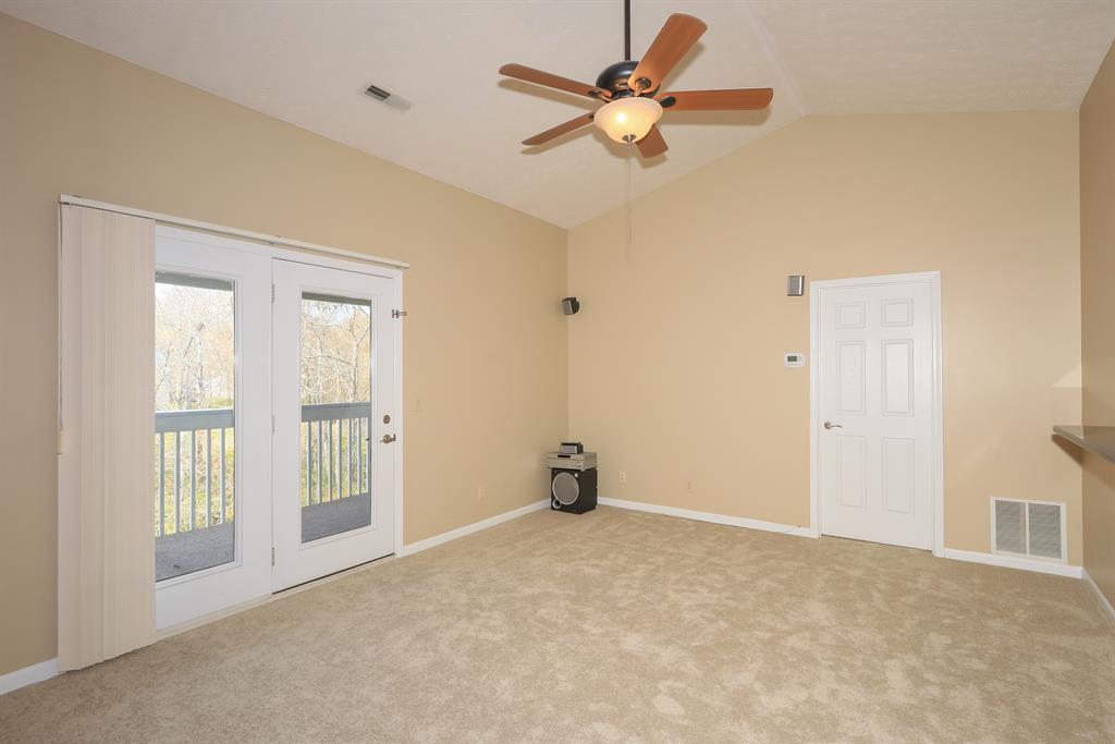 Living Room image 2 for 205 Cave Run Dr, 12 Erlanger, KY 41018