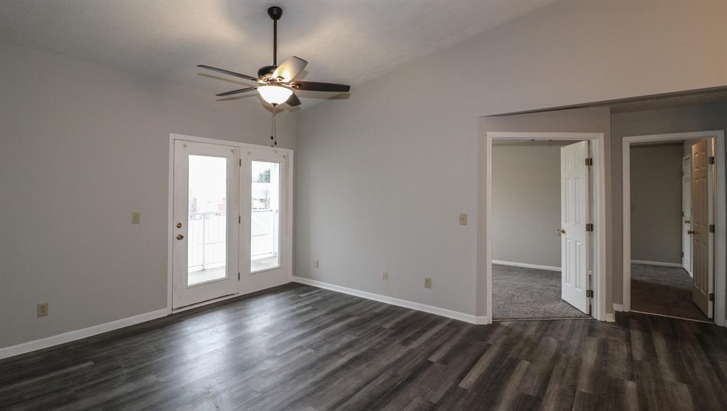 Living Room for 165 Green River, 9 Erlanger, KY 41018