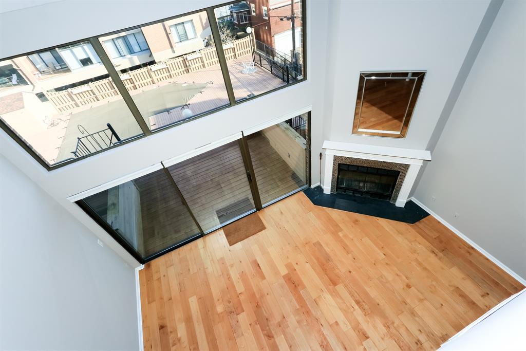 Living Room for 212 E 2nd St Covington, KY 41011