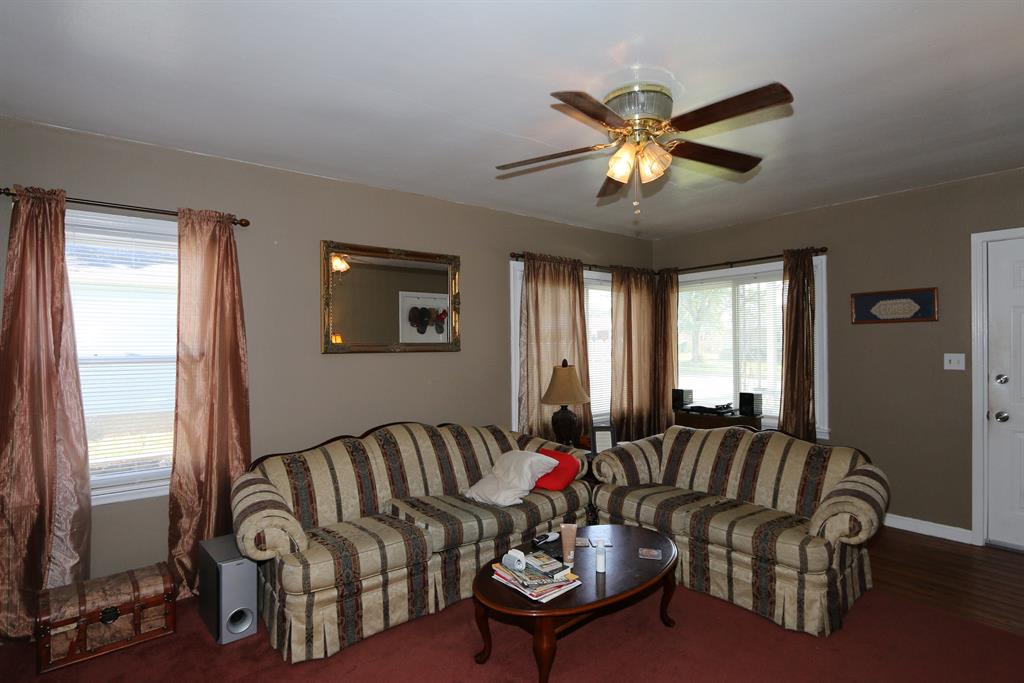 Living Room for 877 S Maple Ave Fairborn, OH 45324
