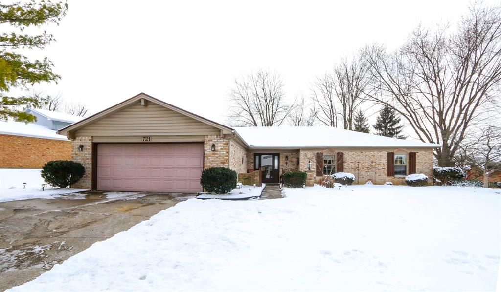 Exterior (Main) for 721 Blackmoat Pl Miamisburg, OH 45342