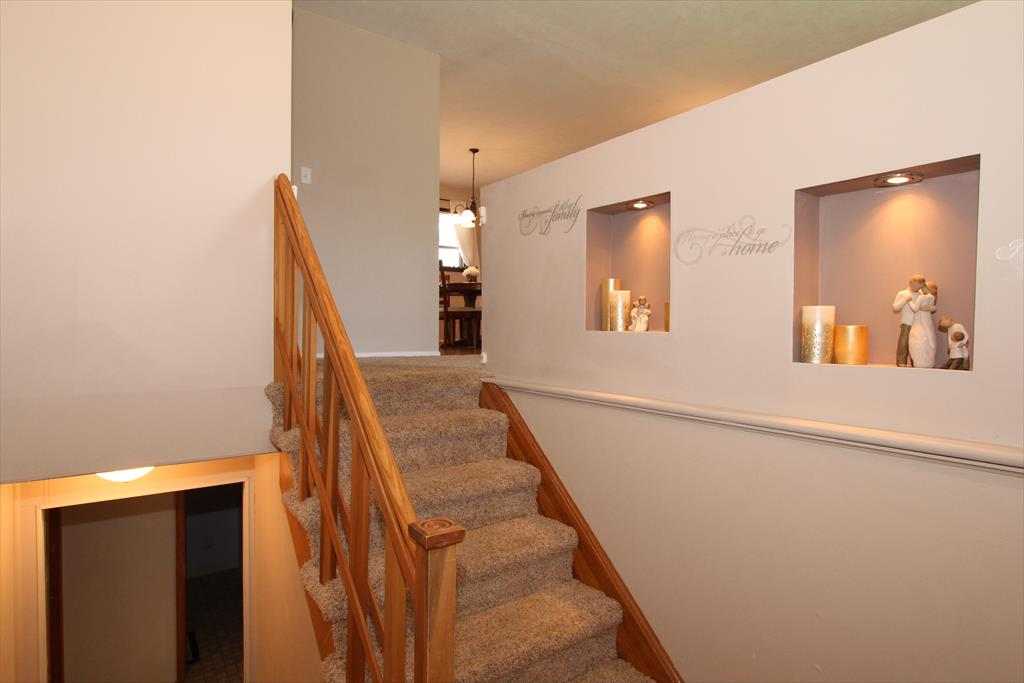 Foyer for 518 Kirby Ct Erlanger, KY 41018