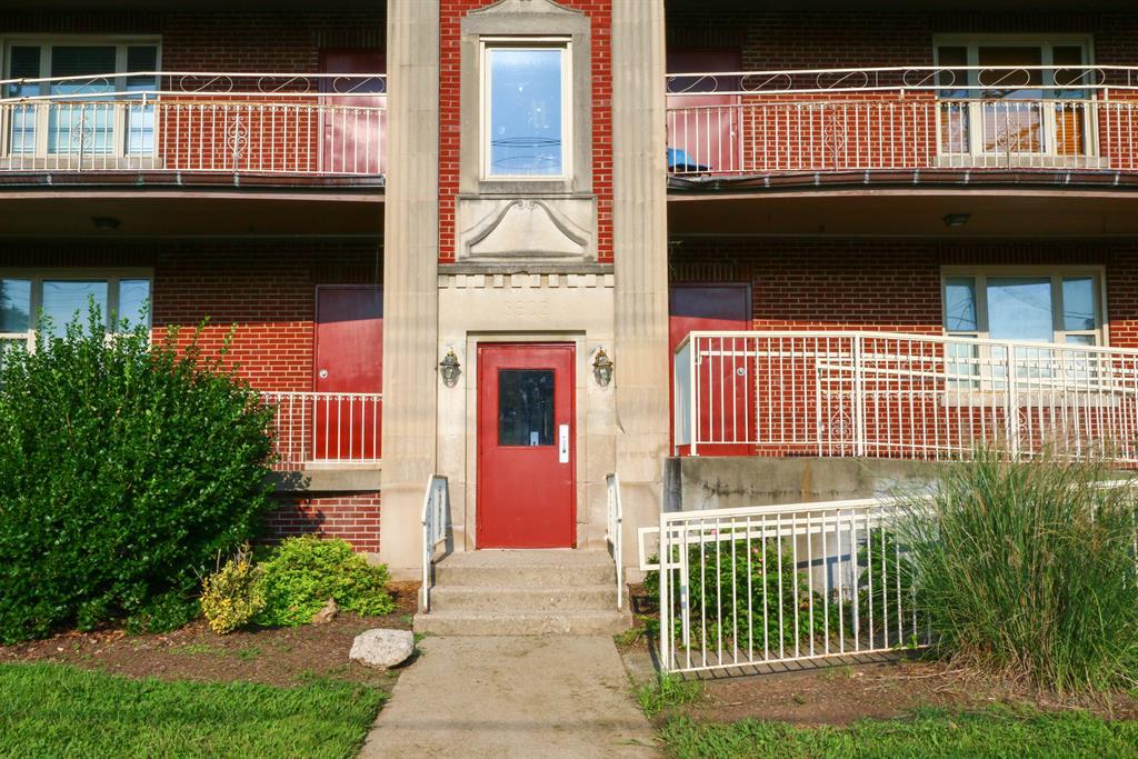 Entrance for 3603 Washington Ave Avondale, OH 45229
