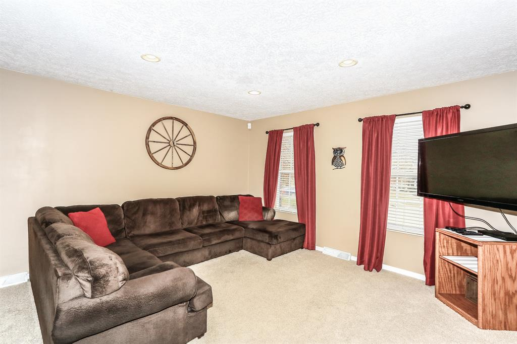 Living Room for 3168 Hillview Ct Edgewood, KY 41017