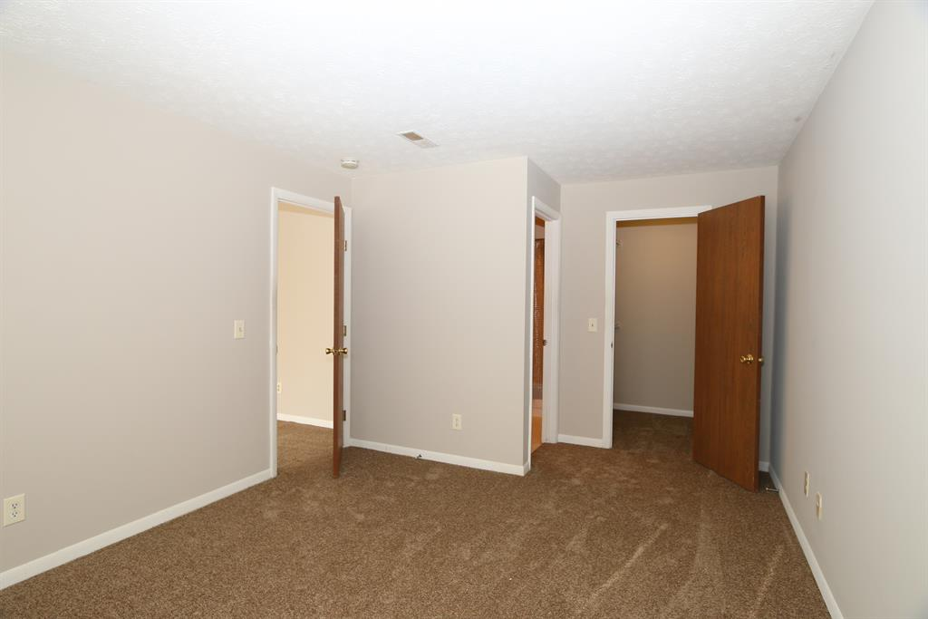 Foyer for 74 View Terrace, 7 Southgate, KY 41071