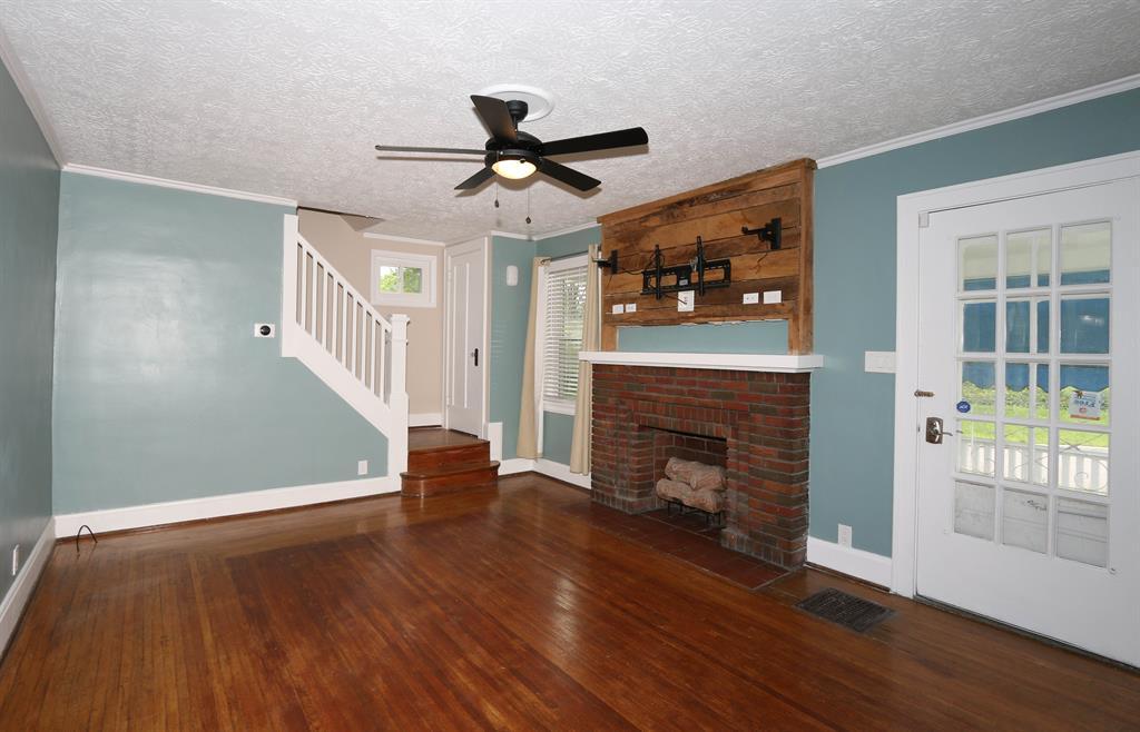 Living Room for 6701 Bramble Ave Madisonville, OH 45227