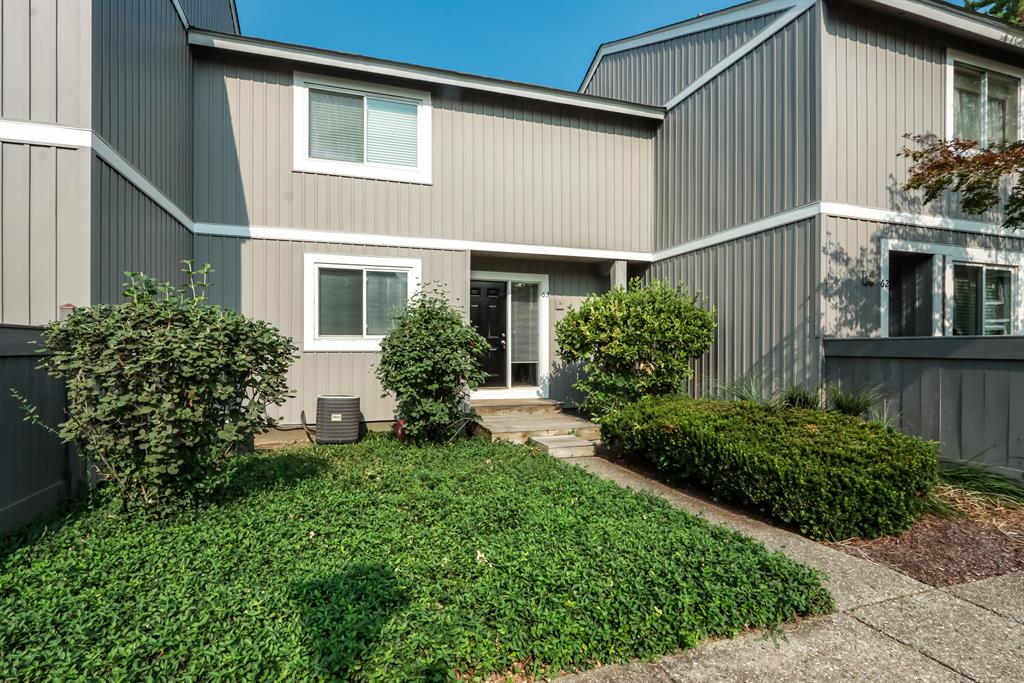 63 Twin Lakes Dr Fairfield, OH