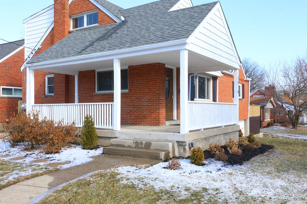 Entrance for 1016 Harbury Dr Finneytown, OH 45224