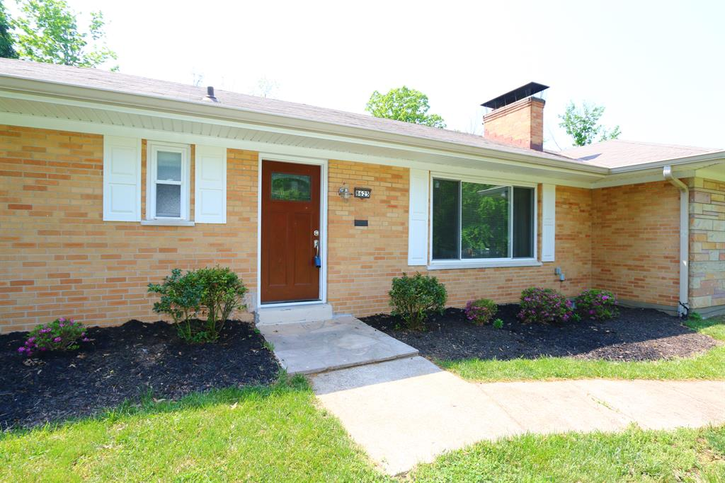 Entrance for 8625 Lynnehaven Dr Amberley, OH 45236