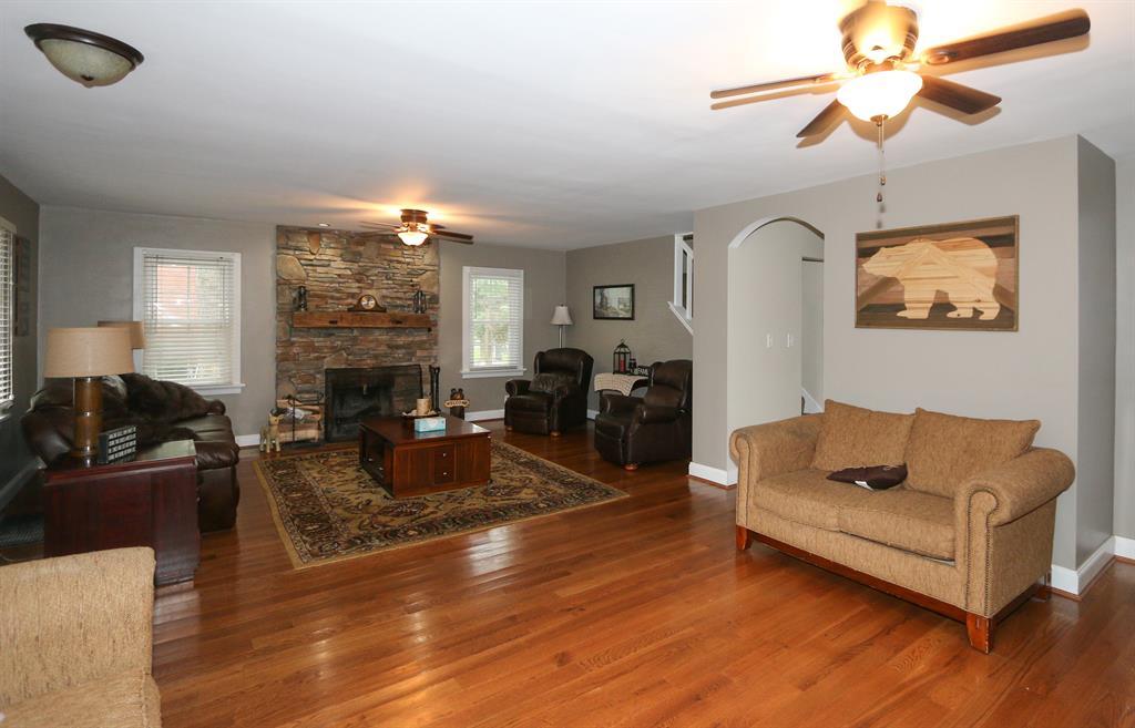 Living Room image 2 for 410 Cornell Ave Terrace Park, OH 45174