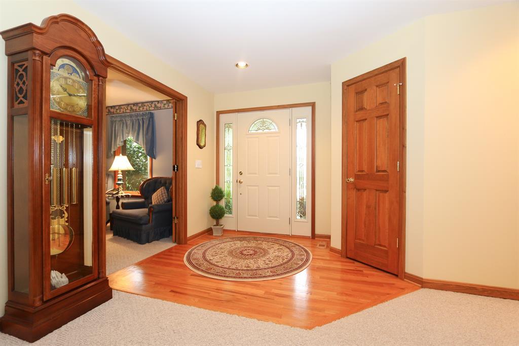 Foyer for 130 Doe Dr Dry Ridge, KY 41035