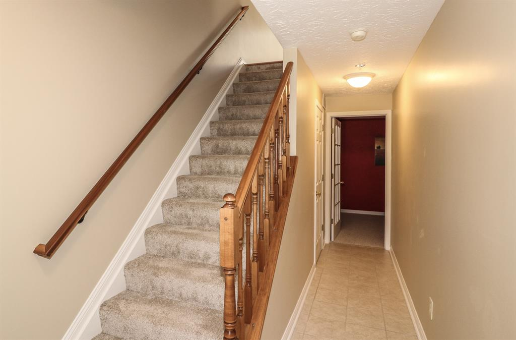 Foyer for 1559 Don Martin Dr Fort Wright, KY 41011