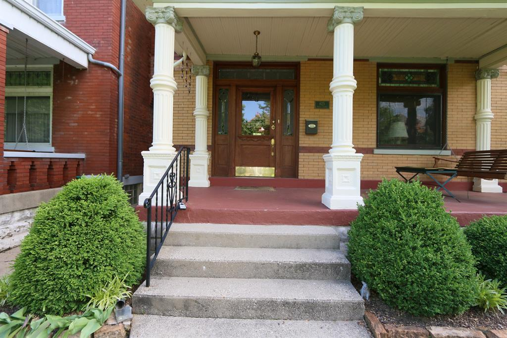 Entrance for 625 Maple Ave Newport, KY 41071