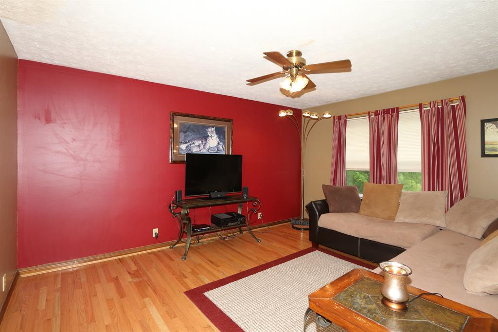 Living Room for 5129 Keavy Dr Taylor Mill, KY 41015