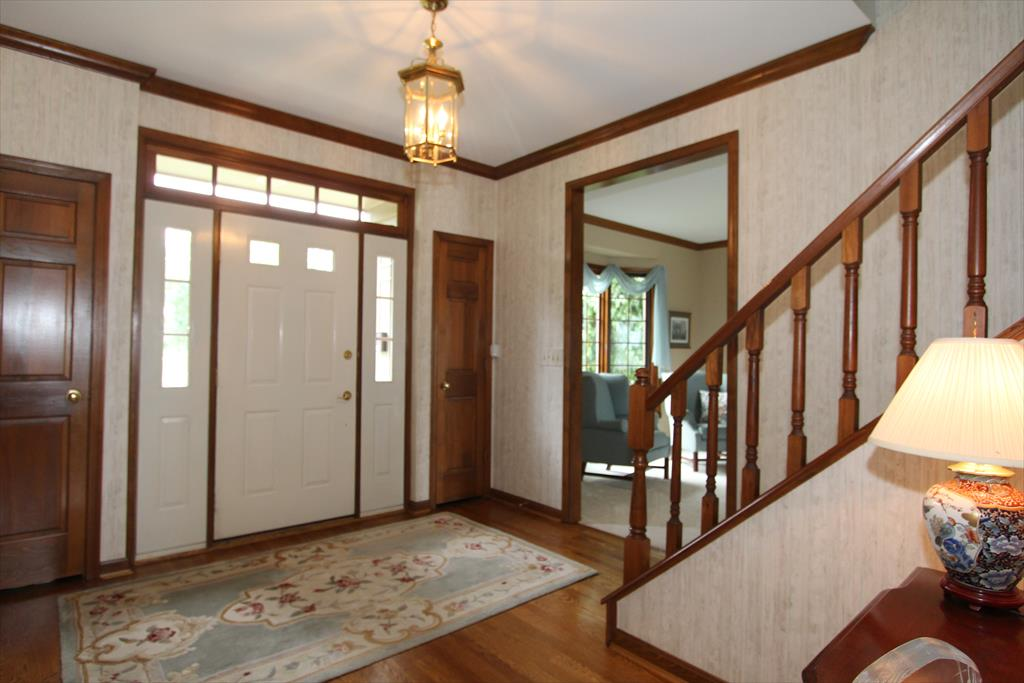 Foyer for 963 Lakeway Ct Union, KY 41091