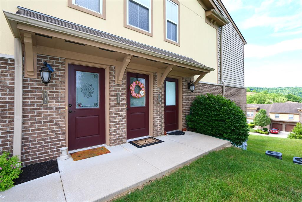 Entrance for 2349 Rolling Hills Dr Covington, KY 41071