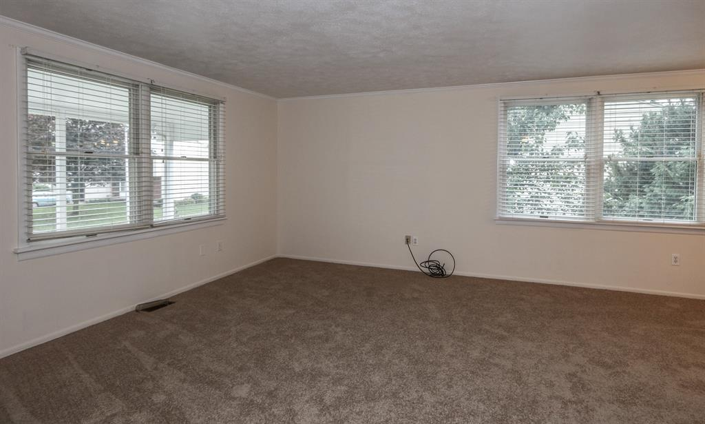 Living Room for 809 Barkins Ave Englewood, OH 45322