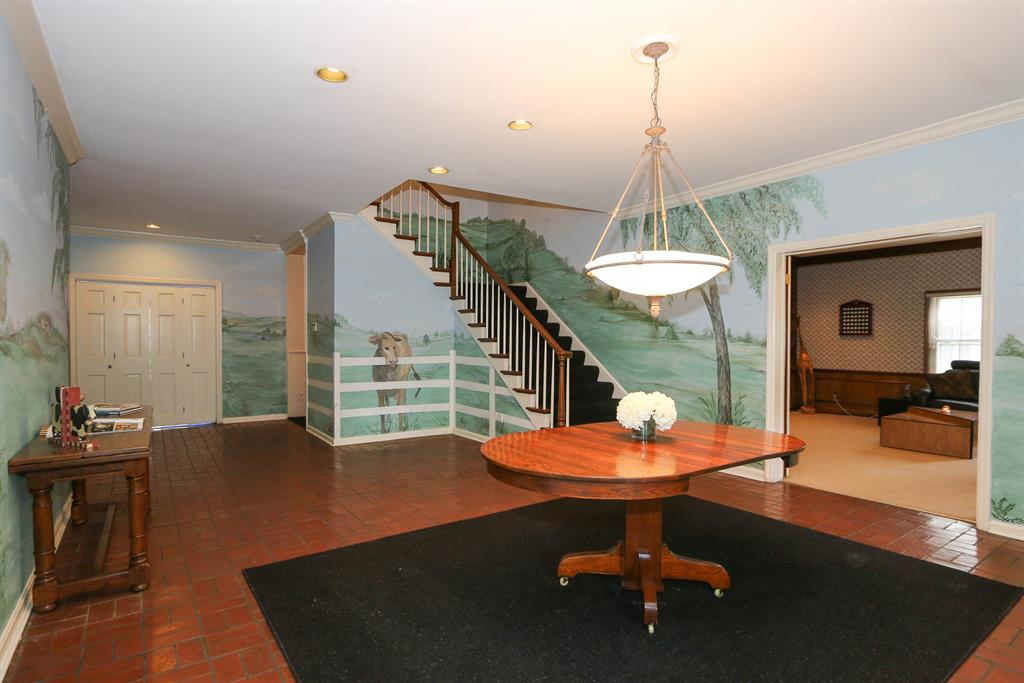 Foyer for 4850 Drake Rd Indian Hill, OH 45243