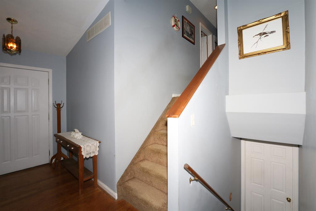 Foyer for 13459 Peach Grove Rd California, KY 41007