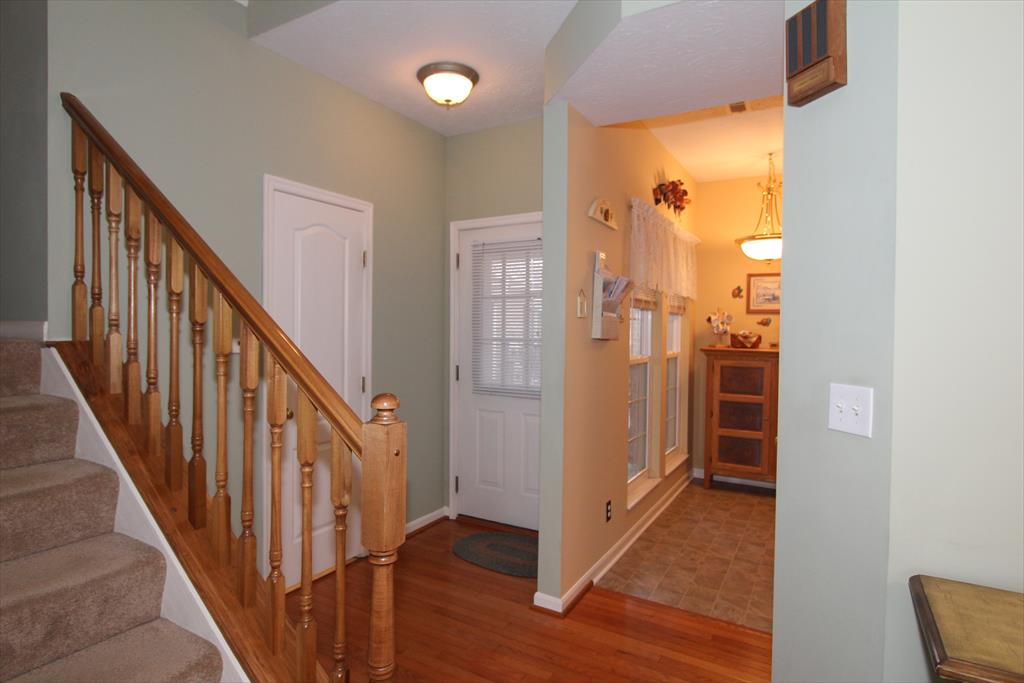 Foyer for 368 Shadow Ridge Dr Cold Spring, KY 41076