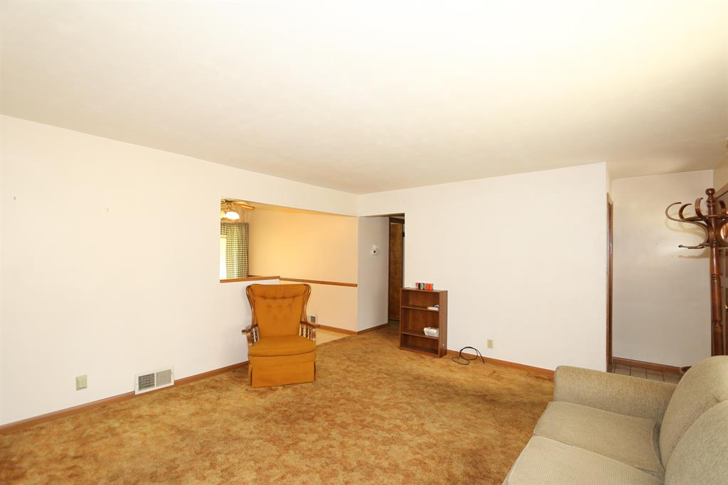 Living Room image 2 for 312 Ingram Rd Greenhills, OH 45218
