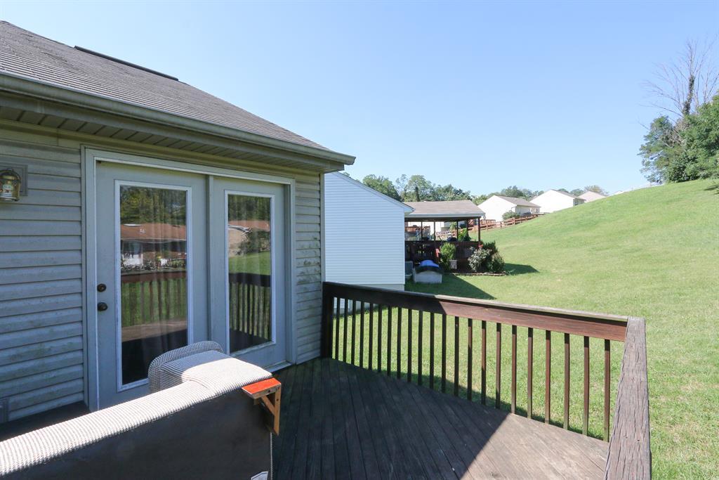 Deck for 3330 Cedar Tree Erlanger, KY 41048
