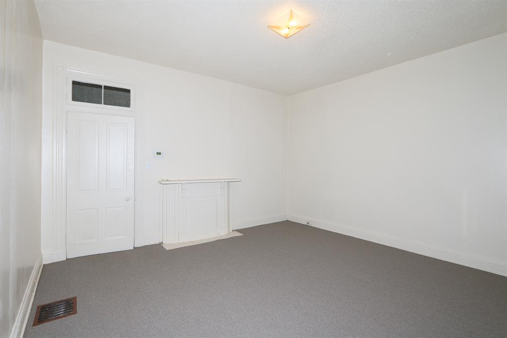 Living Room image 2 for 912 Orchard St Newport, KY 41071