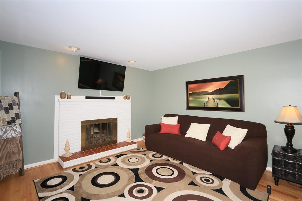 Living Room for 920 Villa Dr Villa Hills, KY 41017