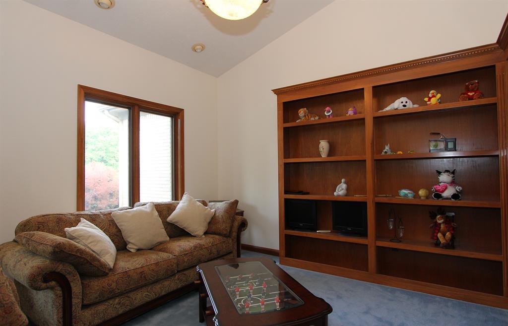 Living Room for 9259 Artz Rd Huber Heights, OH 45344