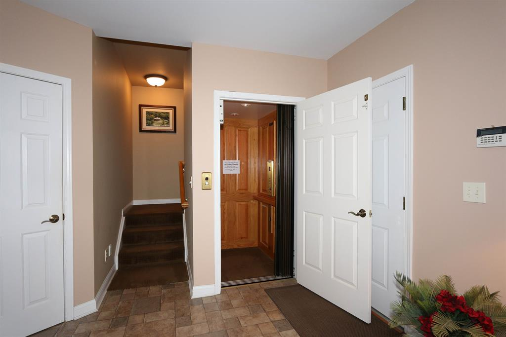 Elevator for 13080 Ryle Rd Union, KY 41091