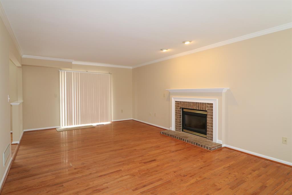 Living Room for 2573 Westpoint Ct Burlington, KY 41005