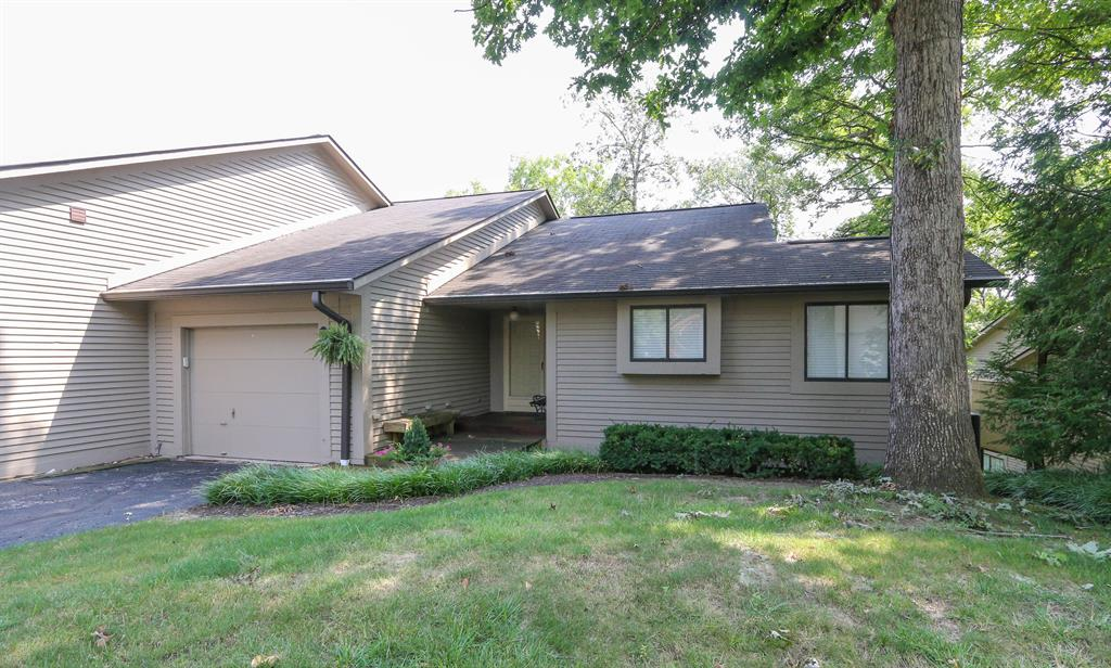 8 Hickory View Ln Milford, OH