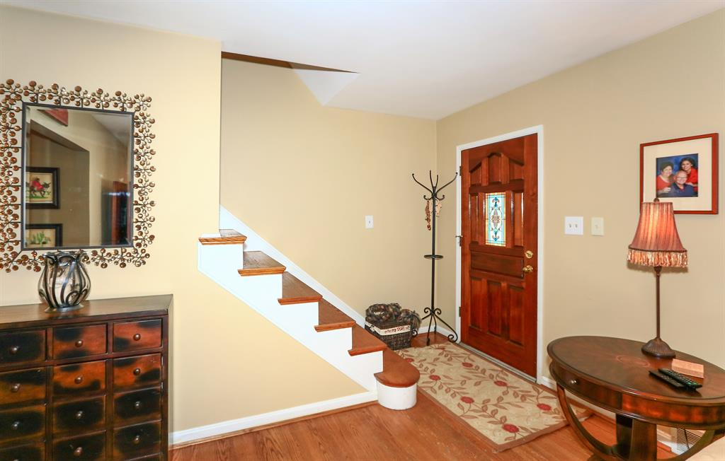 Foyer for 96 Burdsall Ave Fort Mitchell, KY 41017
