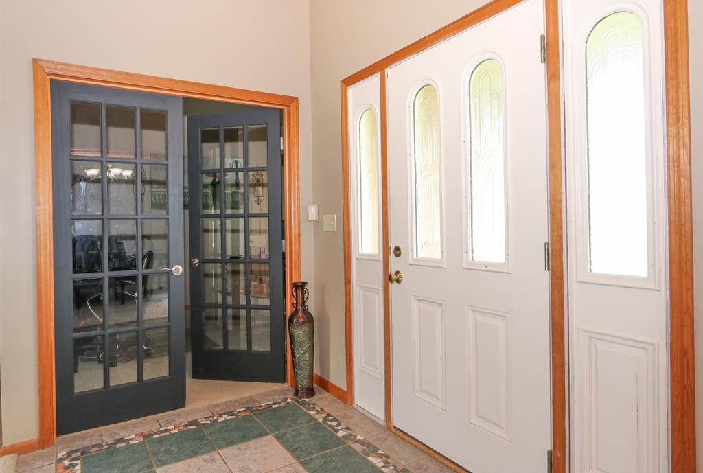 Foyer for 8690 Boomershine Rd Germantown, OH 45327
