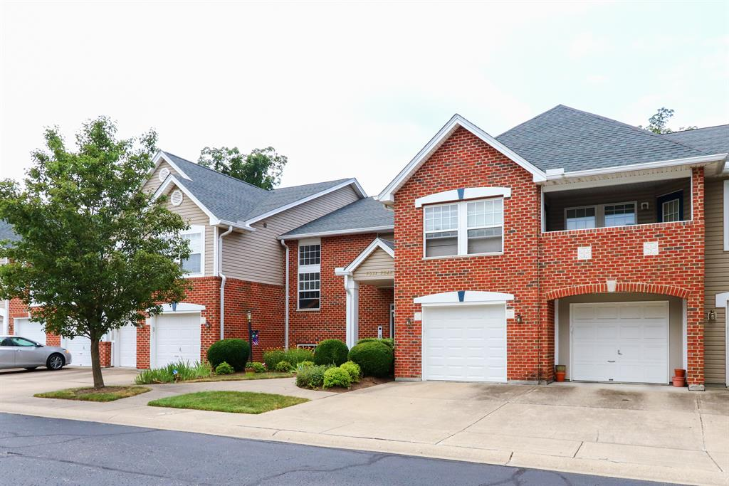 Exterior (Main) for 7033 Glen Kerry Ct Florence, KY 41042