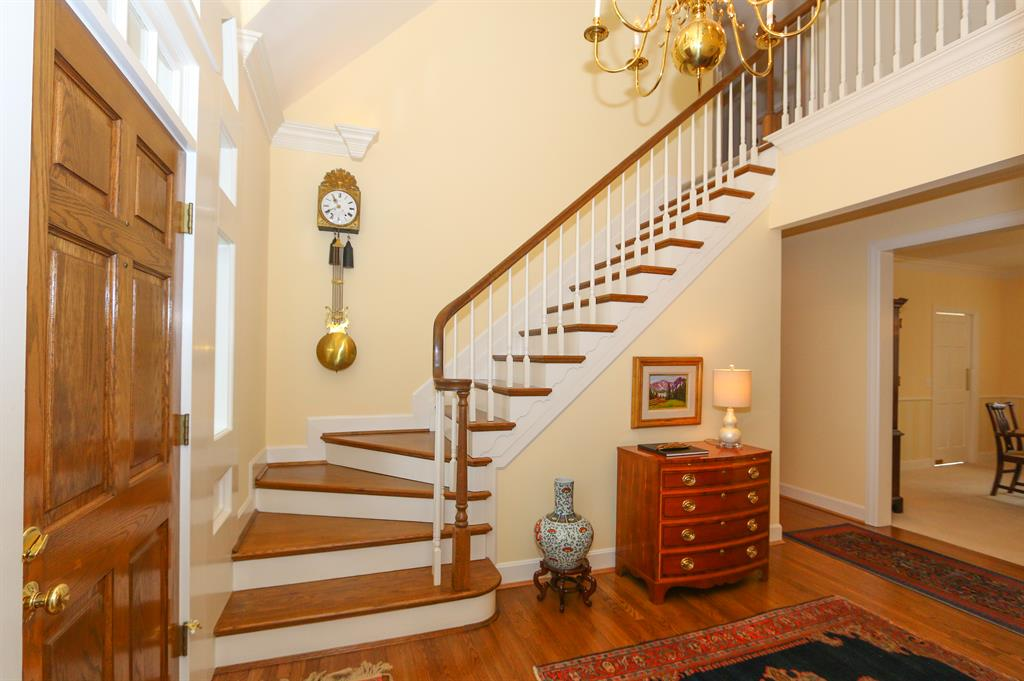 Foyer for 7930 Deer Crossing Ln Indian Hill, OH 45243