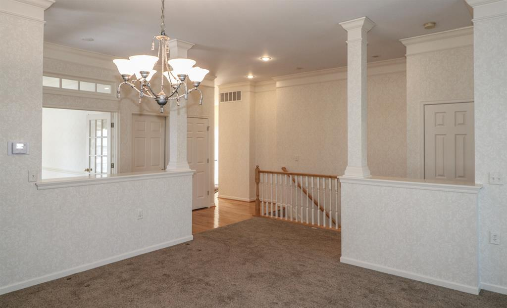 Dining Room image 3 for 8068 Somerset Chase Sycamore Twp., OH 45249