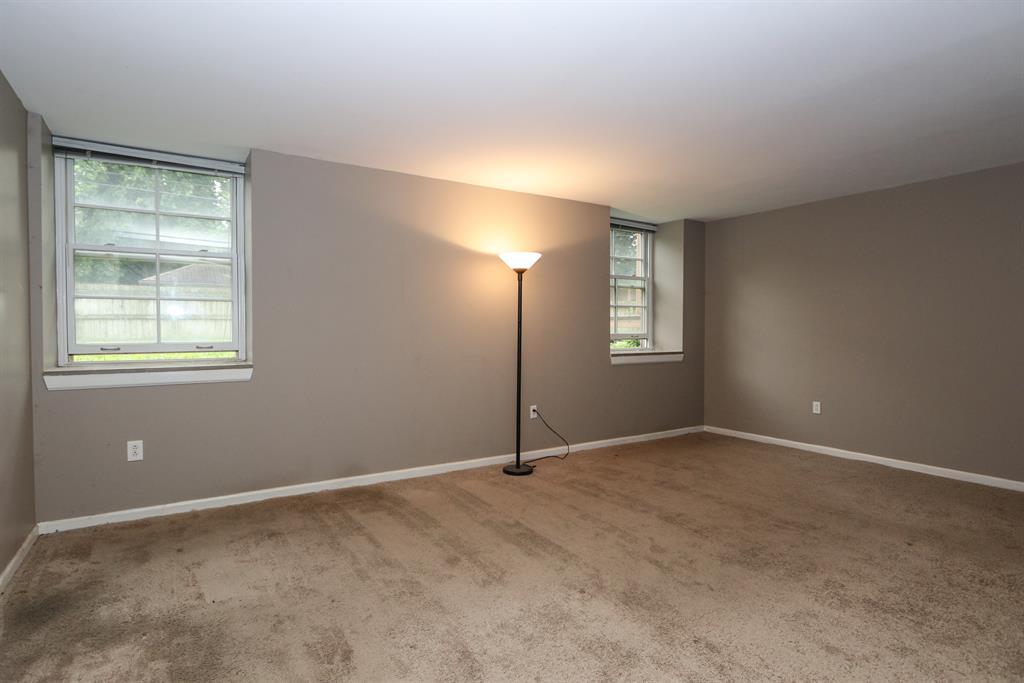 Living Room for 226 McDaniel St, 10 Dayton, OH 45405