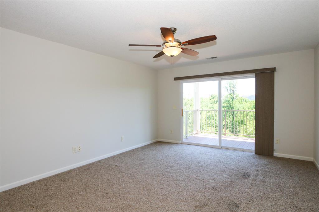 Living Room for 1929 Timberwyck Ln, 203 Burlington, KY 41005