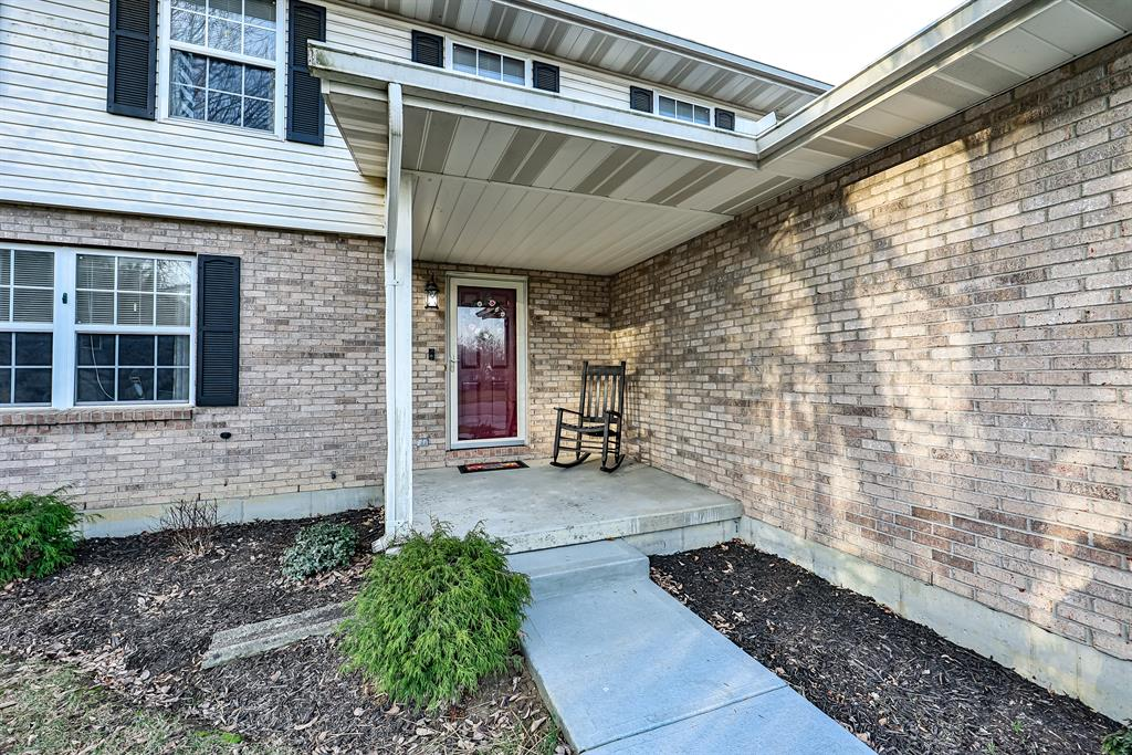 Entrance for 312 Meadow Ct Fairfield, OH 45014