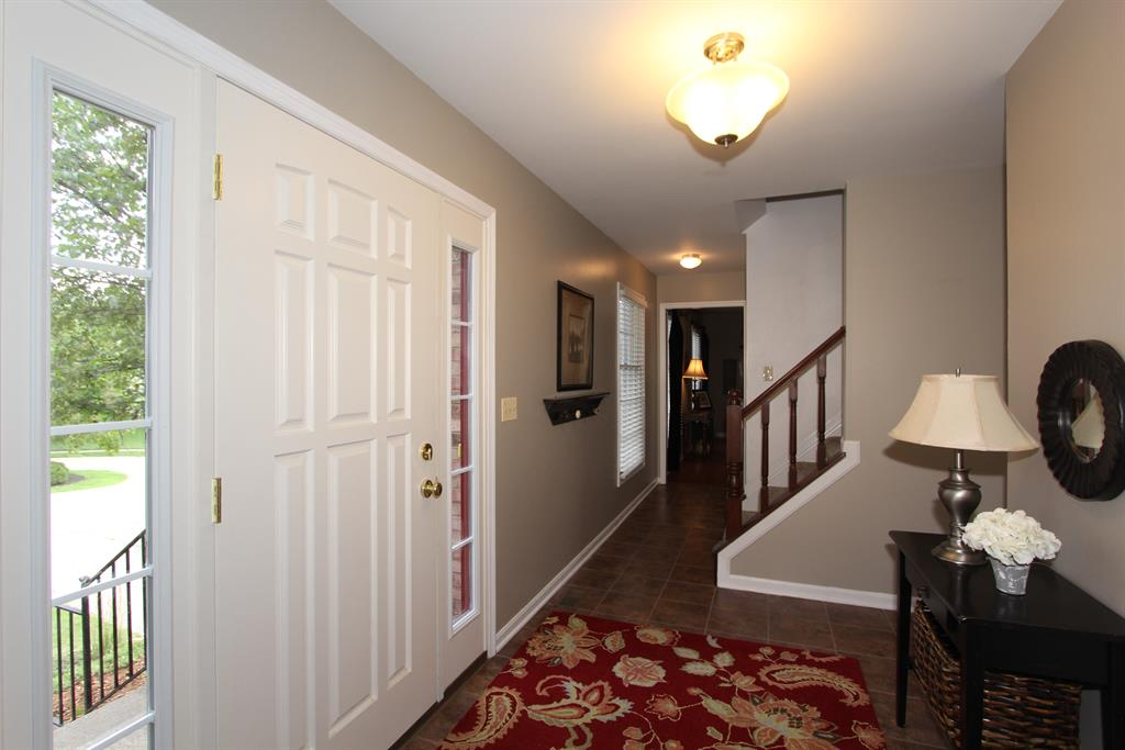 Foyer for 41 Northfield Dr Florence, KY 41042