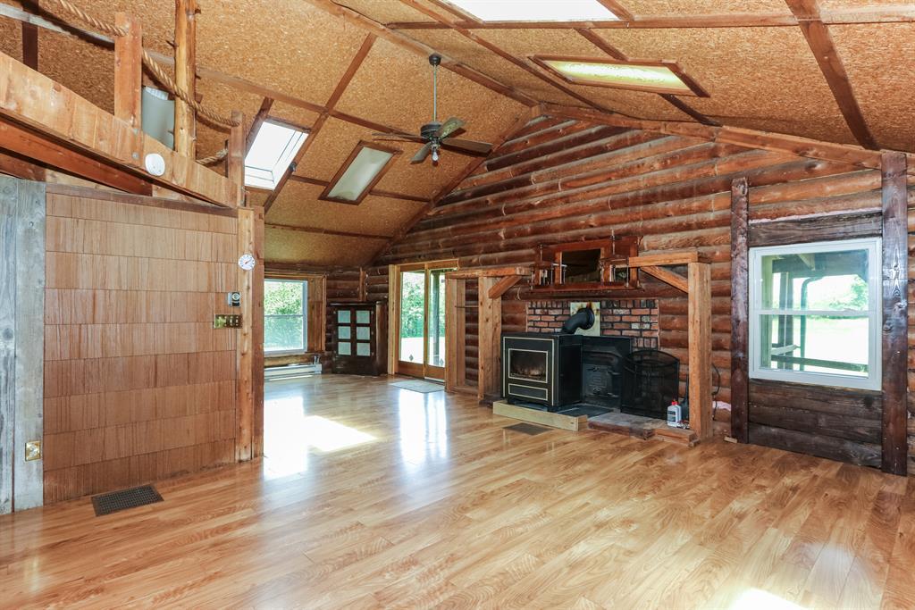 Living Room for 120 Elliston Napoleon Warsaw, KY 41095