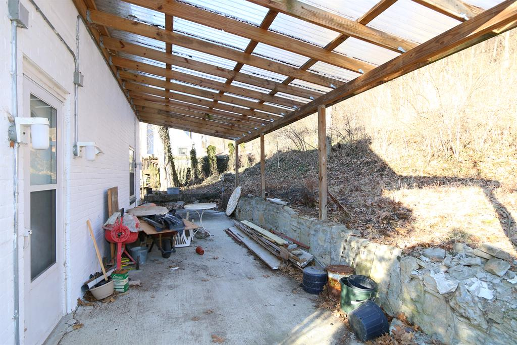 Patio for 1206 E Henry Clay Fort Wright, KY 41011